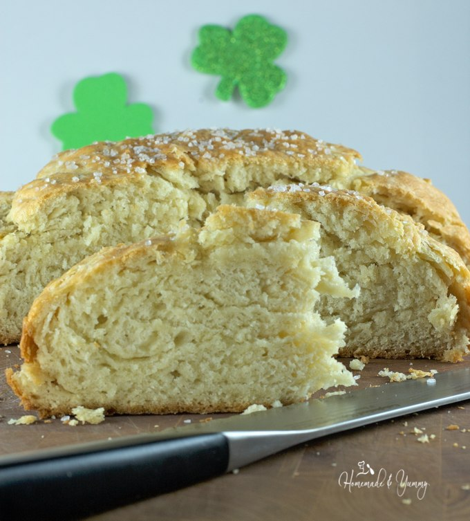 Irish Soda Bread is so quick and easy to make and pairs well with soup, chili and of course Irish stew. The aroma of fresh baked bread is only minutes away.| homemadeandyummy.com