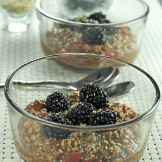 Chocolate Almond Oatmeal packed with superfood nutrition is a fast and easy breakfast/brunch meal.   homemadeandyummy.com