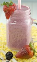 Triple Berry Coconut Smoothie is pretty and tasty. Flavoured with 3 types of fresh berries, raw coconut slices and yogurt, this healthy smoothie is perfect for breakfast or lunch. | homemadandyummy.com