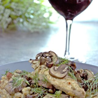 Chicken Mushroom Barley Bake is hearty enough for a great one dish dinner. Succulent chicken smothered in a yogurt sauce, topped with mushrooms, all on a bed of bacon flavoured barley. | homemadeandyummy.com