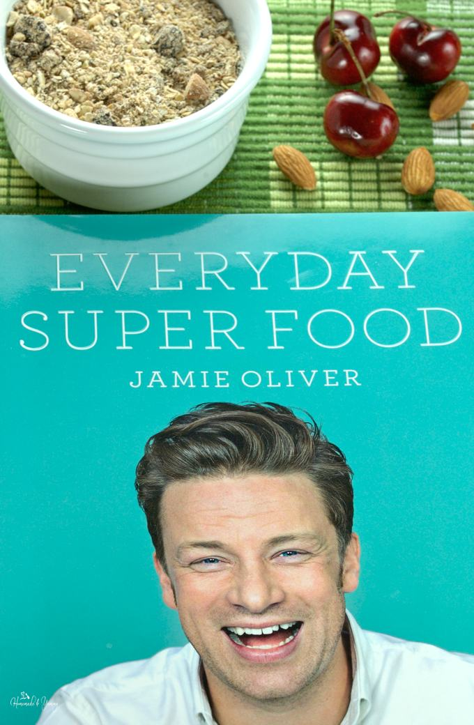 The cover of Jamie's cookbook Everyday Super Food