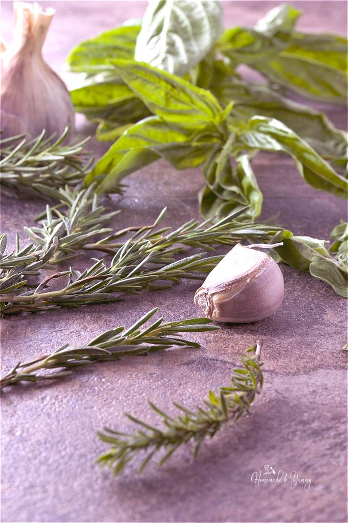 Fresh Herb Salt is so easy to make. Perfect way to preserve all those wonderful garden/market herbs. | homemadeandyummy.co
