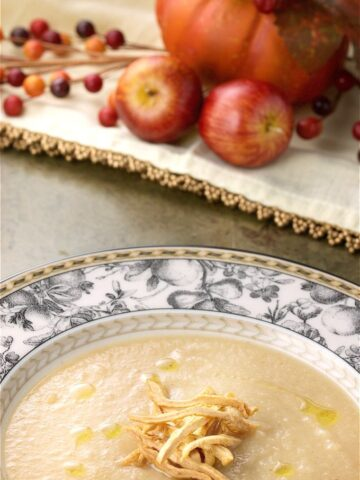 Incredible 3 Way Apple Soup combines apples, apple cider, and dried apples in a delicious soup with a hint of bacon flavour. Gluten, nut and dairy free. Made in 30 minutes.| homemadeandyummy.com