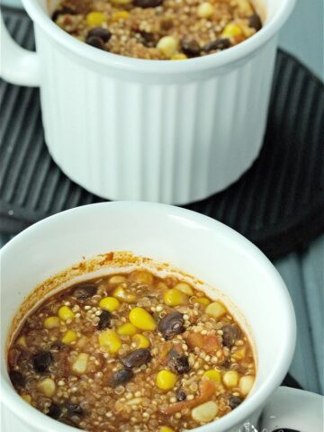 Easy Mexican Quinoa Individual Mini Casseroles make a great dinner any night of the week. Mix everything up in the individual mugs, bake or microwave. Meatless & gluten-free too. #MealMugs #Sponsored | homemadeandyummy.com