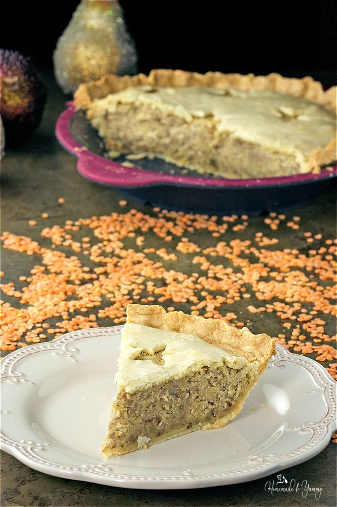 Red Lentil Meatless Mock Tourtiere Pie is the perfect alternative to the traditional French Canadian classic using lentils instead of meat.| homemadeandyummy.com #LoveLentils #Sponsored