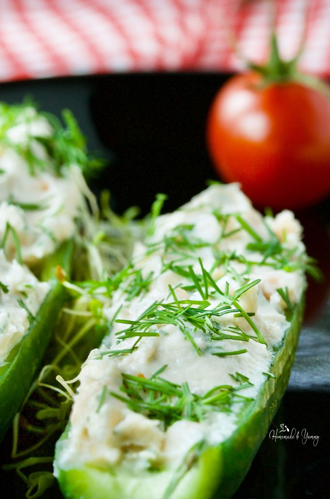Smoked Salmon Cucumber Appetizer with Cream Cheese is party perfect. Easy to make, easy to handle, easy to eat!! Perfect for summer entertaining.