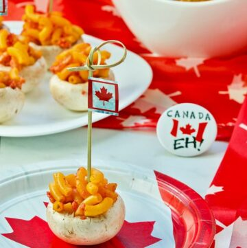 Canadian Inspired Mushroom Bites Celebrating #Canada150 combines 2 famous foods into a great mushroom stuffing. Proudly Canadian Eh! | homemadeandyummy.com
