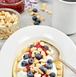 Healthy Banana Split Breakfast Recipe