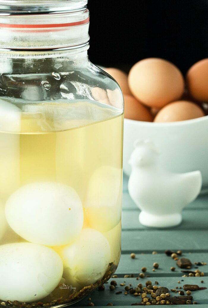 Easy Classic Pickled Egg Recipe Feature Image
