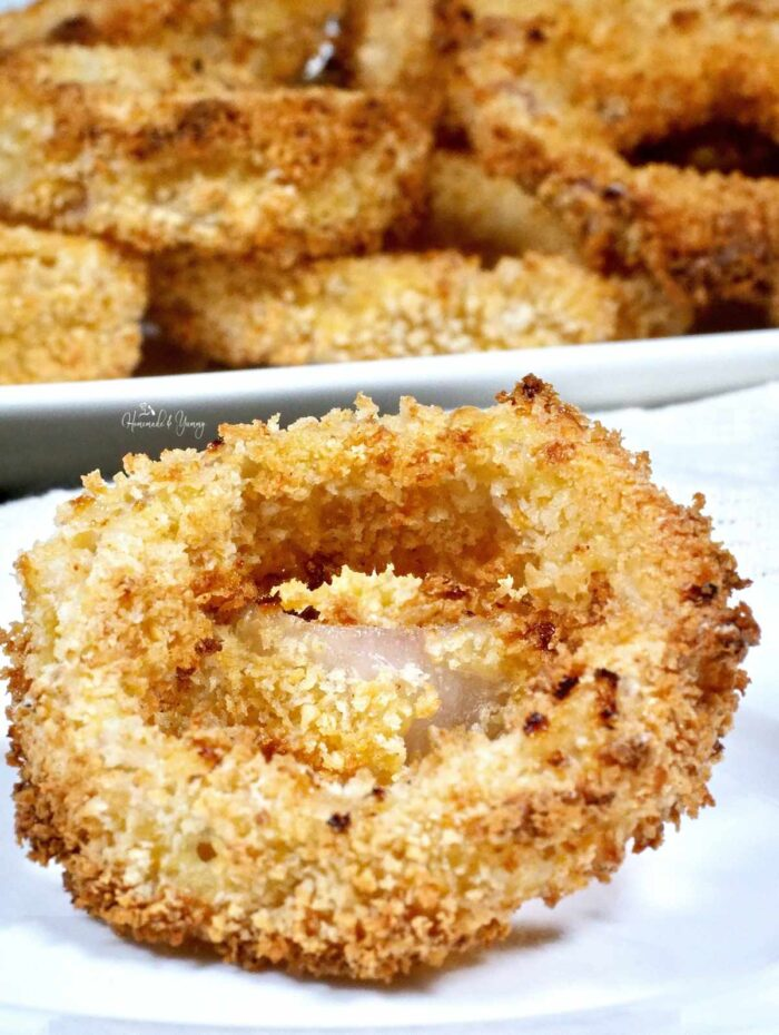 Crispy Onion Rings ready to eat.