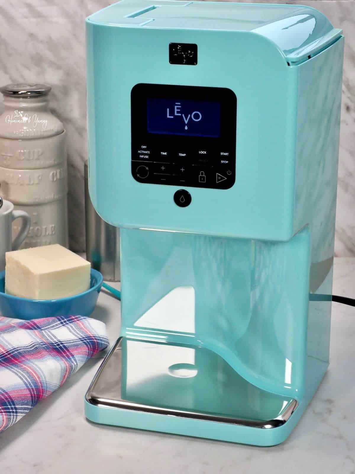 LEVO II oil infuser machine in robin blue