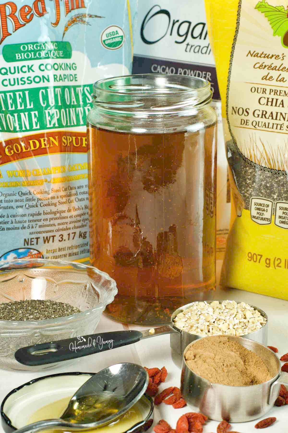 Ingredients to make overnight oatmeal.